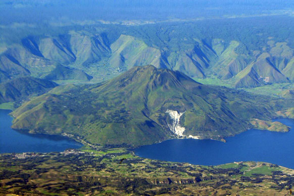 North Sumatra's Mount  Toba may erupt again, at  any time